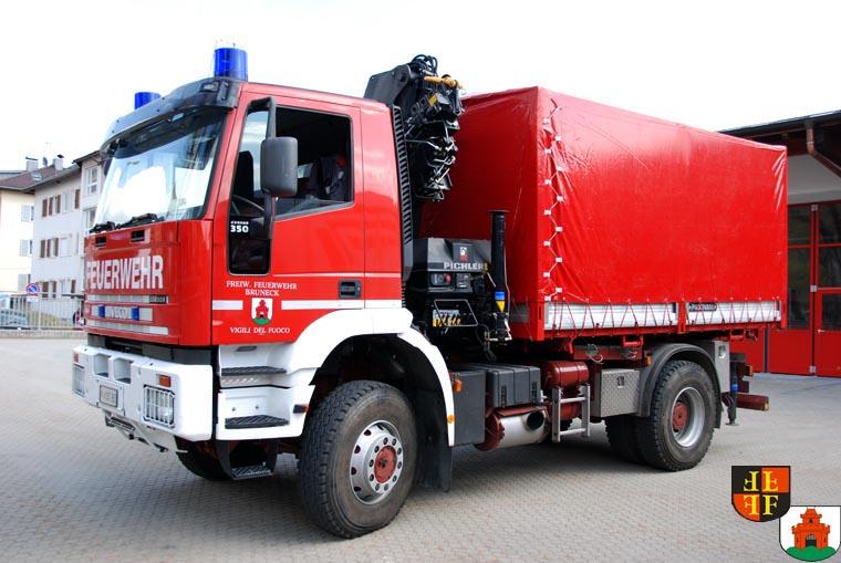 Lastwagen mit Kran